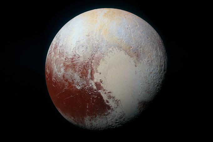 Garota escreve carta à Nasa pedindo que Plutão volte a ser planeta