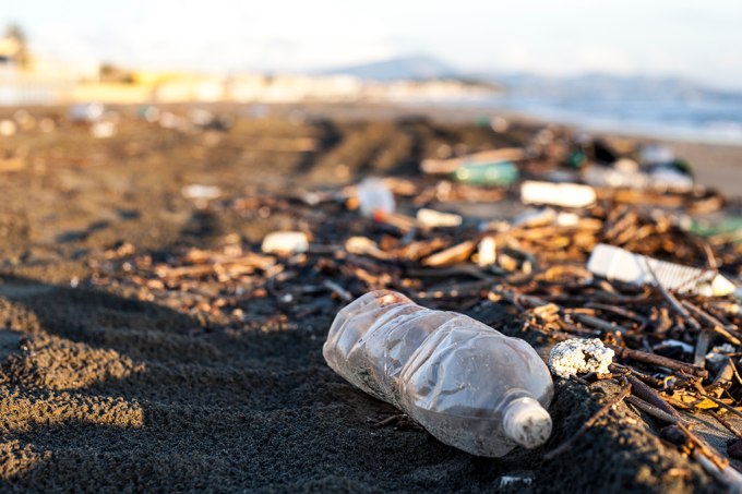 A ilha de lixo do Pacífico tem 16 vezes mais plástico do que se pensava
