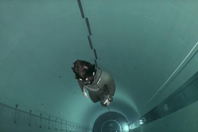 Um mergulho na piscina mais funda do mundo
