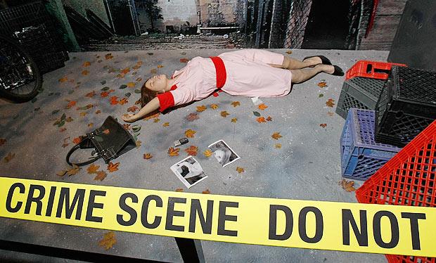 4faacc25865be214f10001b7cena-de-crime-csi-peritos-policia.jpg