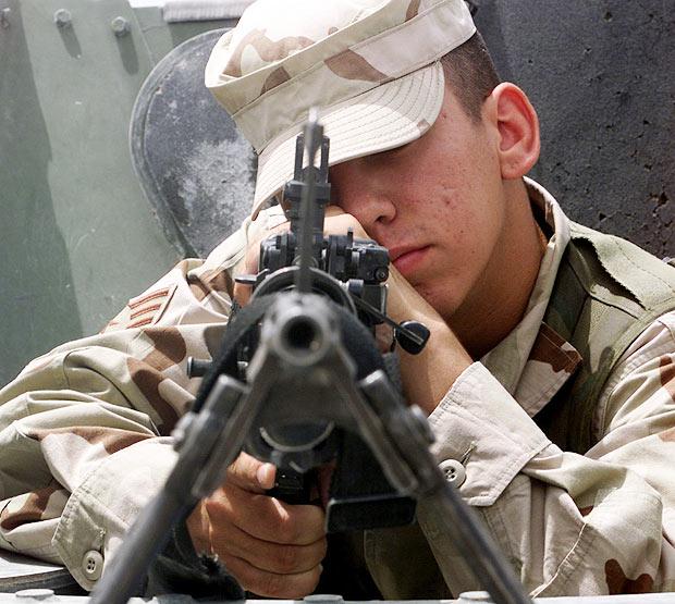 metralhadora-soldado-guerra-batalha
