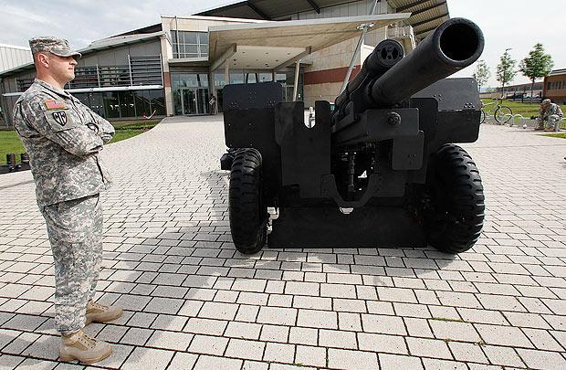 4fc7e9c69827684484000060canhao-como-funciona-soldado-militar-arma-guerra.jpg