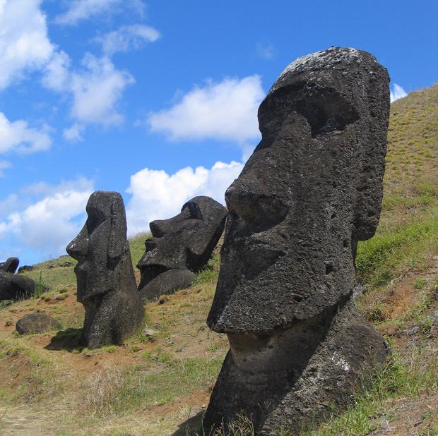 ilha-de-pascoa-estatua