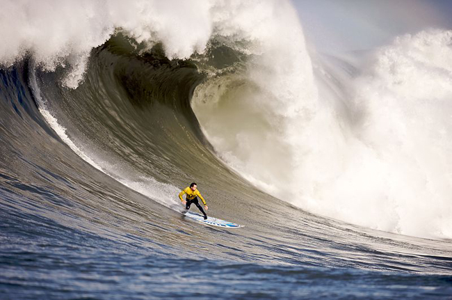 520a9f6498276837290005c7800px-mavericks_surf_contest_2010b.jpeg
