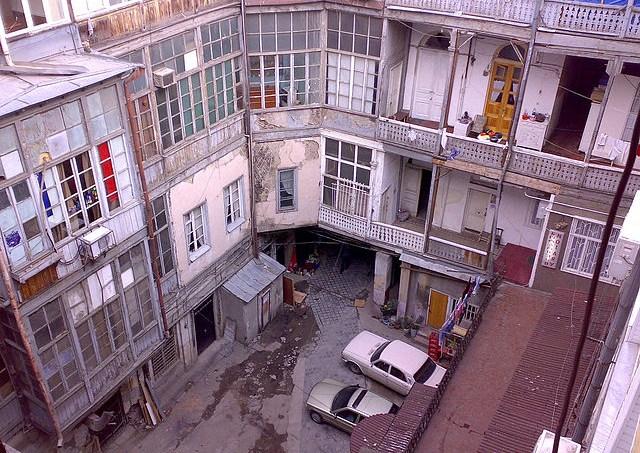 5230d76d865be232f2000172640px-old_building_tbilisi.jpeg