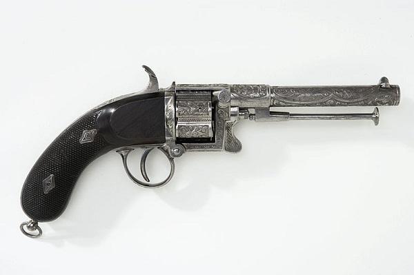 52976ec298276878e80000b6800px-revolver_-_livrustkammaren_-_73909.jpeg