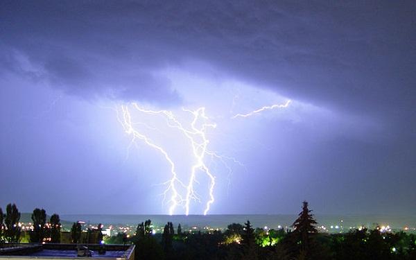 52f278af865be2014f000368640px-lightning_1.jpeg