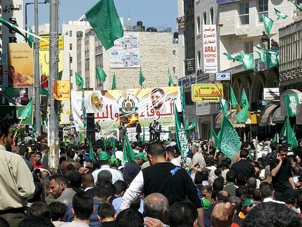 640px-Yasin_Rantisi_Hamas_Wahlkampf