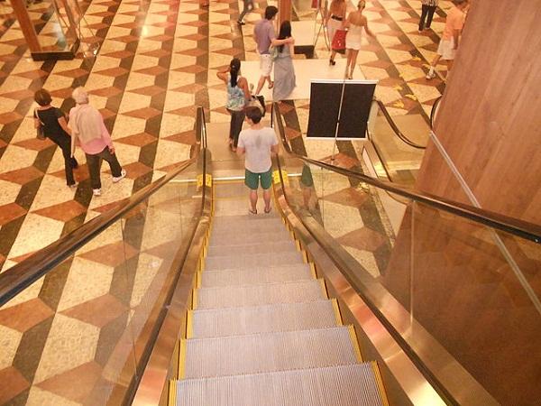 5320ace5865be271df000503640px-escada_rolante_do_shopping_da_gavea.jpeg