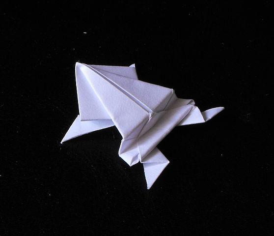 558px-Żaba_-_origami