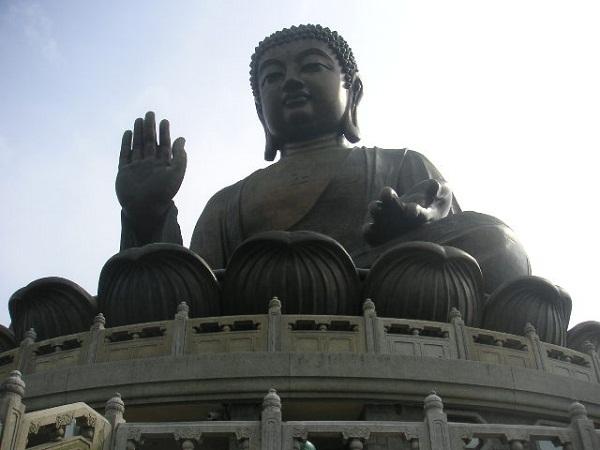 Sitting_Buddha_-_Lantau_Island_Hong_Kong