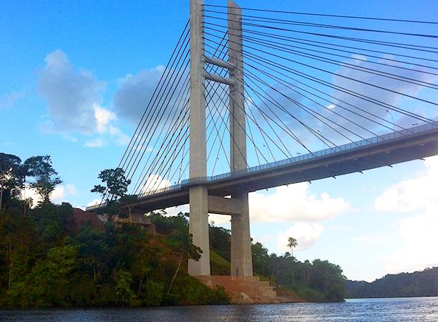 Ponte sobre o rio Oiapoque