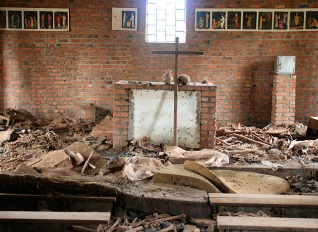 57057e700e21630a3e1a34d1massacre_ruanda_site.jpeg