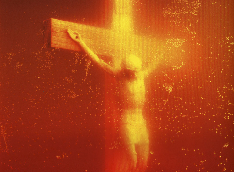 3 Andres Serrano - Piss Christ