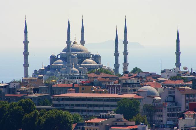 5772eb4c0e216345751b8971view_of_the_blue_mosque_from_the_galata_tower_-1-satur.jpeg