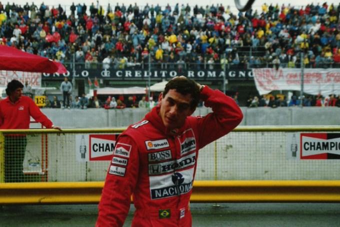 800px-Ayrton_Senna_Imola_1989