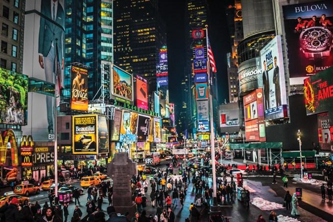 Como surgiram os telões da Times Square, em Nova York? – Thumb