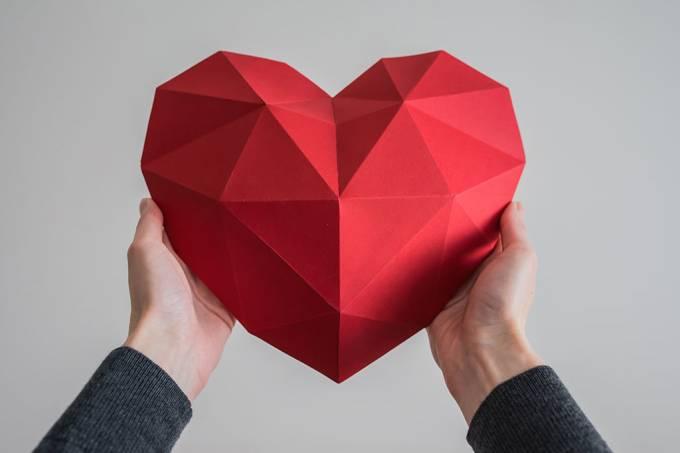 De onde surgiu o desenho que representa o coração?