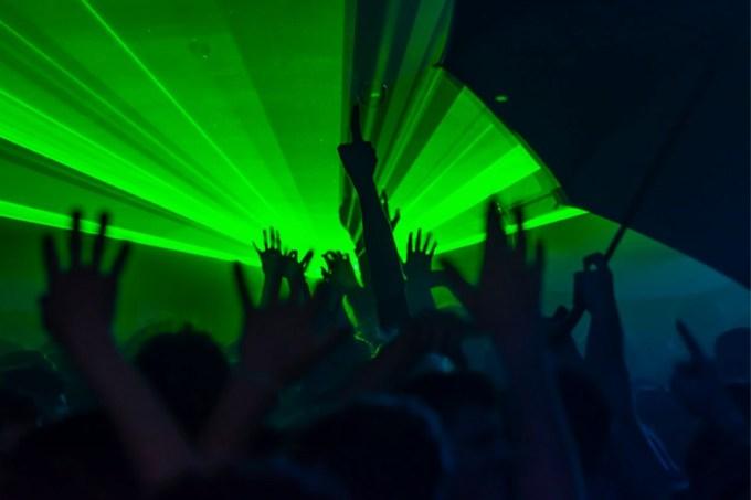 Dançar espontaneamente ainda é ilegal na Suéciar