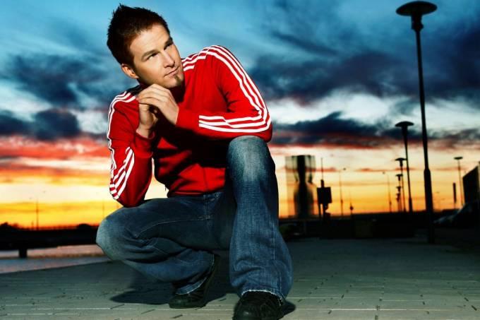 DJ DARUDE