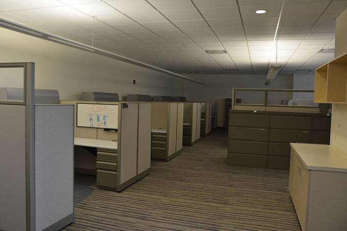 empty_office_real_estate_22789285225