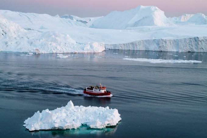 Existe terra sob o gelo do Pólo Norte E do Pólo Sul