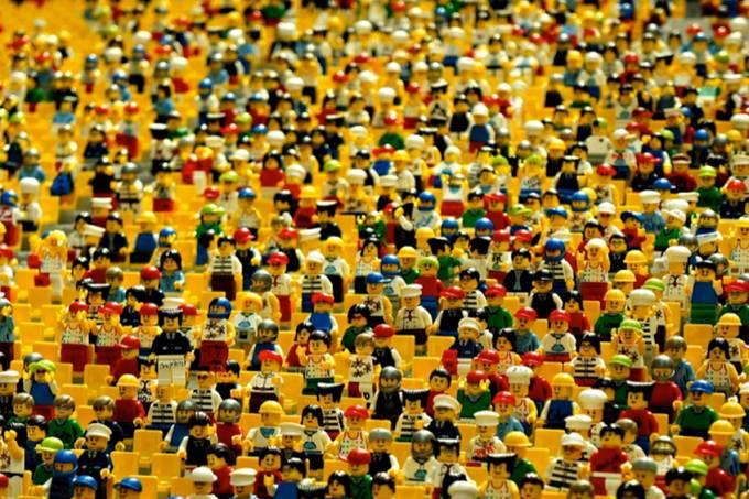 Ladrão invade casa, ignora eletrônicos e leva quase R$ 22 mil em peças de Lego