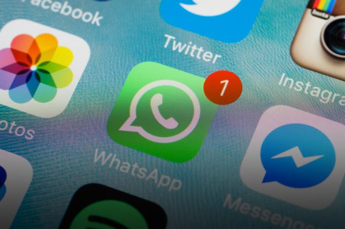 Para combater fake news, WhatsApp vai limitar o envio de mensagens_HOME