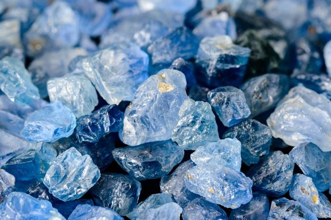 O que define se uma pedra épreciosa ou semipreciosa?