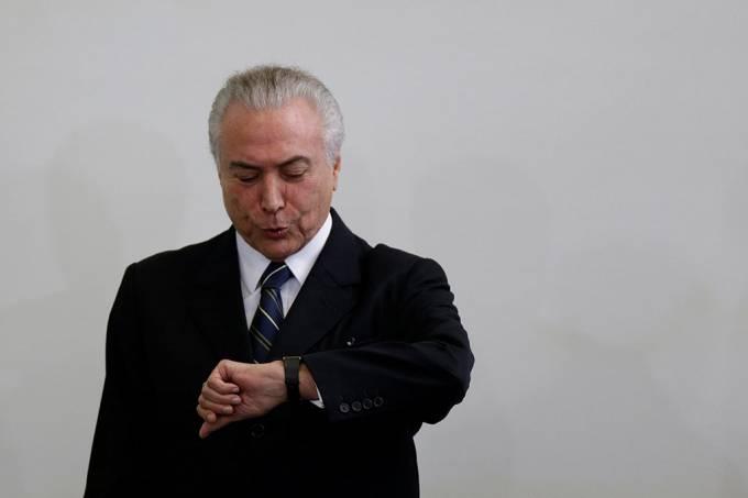 Se o presidente do Brasil e o vice morrerem, quem assume o cargo?