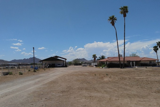 "Homem coloca rancho a venda por causa de constantes ""ataques alienígenas"""