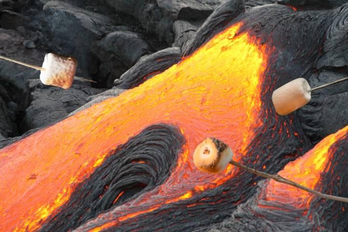 Serviço geológico dos Estados Unidos pede para que pessoas não assem marshmallows em vulcão ativo
