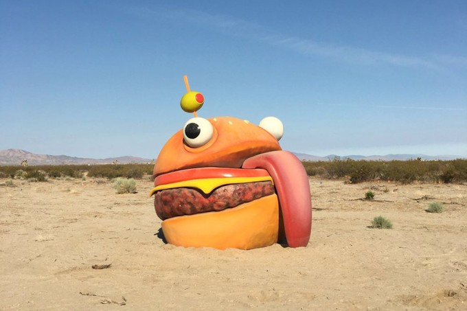 Fortnite traz hambúrguer bizarro do jogo para o mundo real