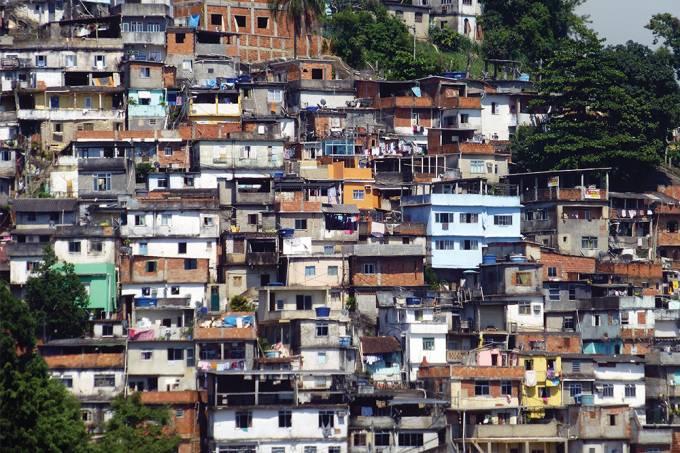 Qual cidade brasileira tem mais favelas?