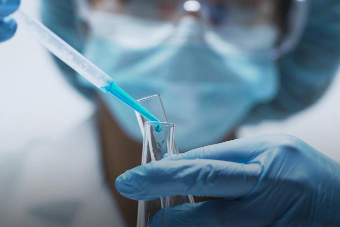 Tratamento que promete reverter o envelhecimento passa no primeiro teste_home