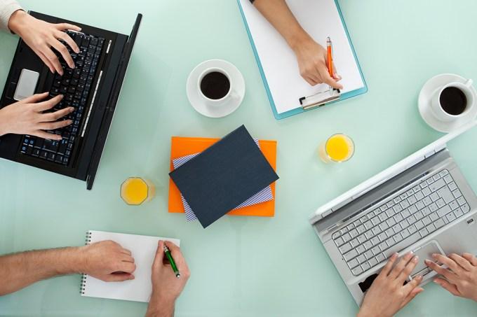 O que é melhor: trabalhar sozinho ou em grupo?