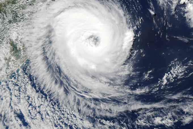 SI_furacão2004