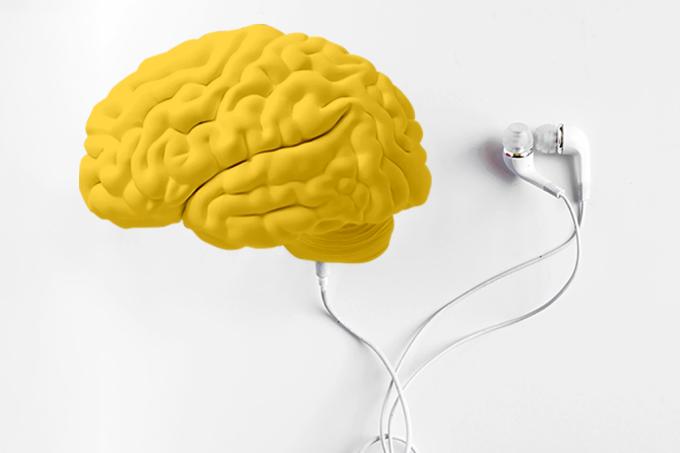 Cérebro com fone de ouvido