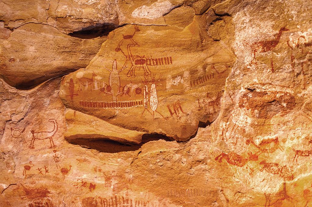 A grande maioria das pinturas datam de de 6 a 12 mil anos de idade