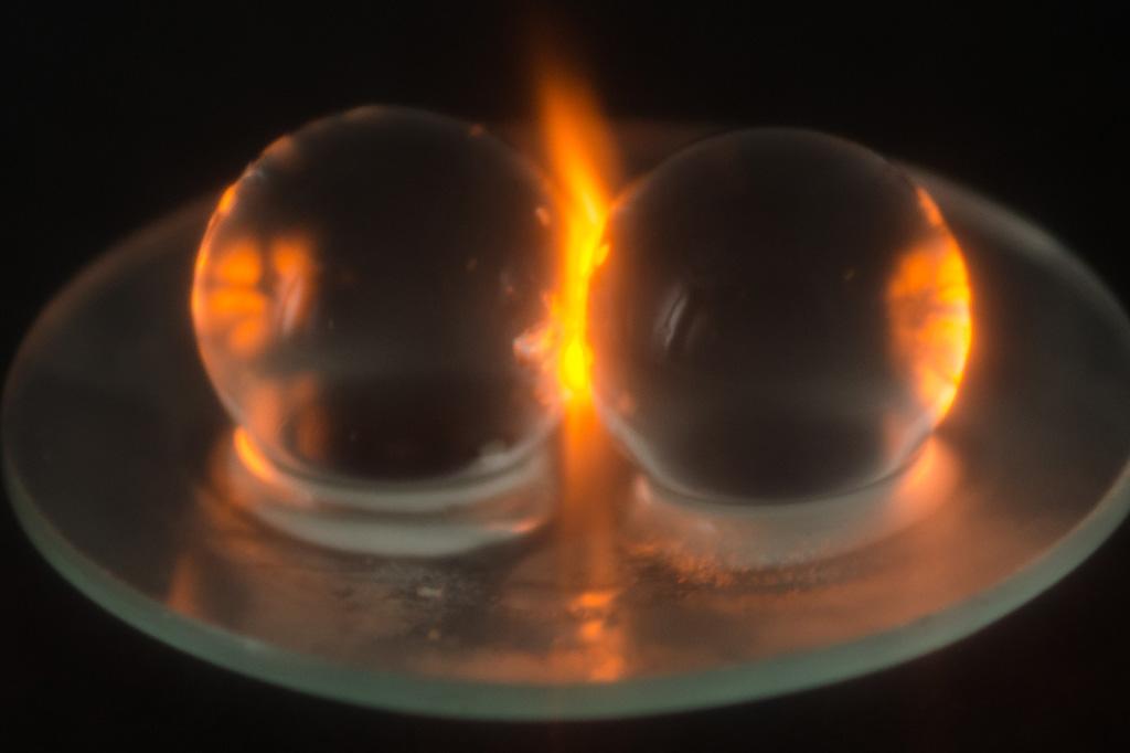 Esferas de hidrogel utilizadas pelos cientistas nos testes