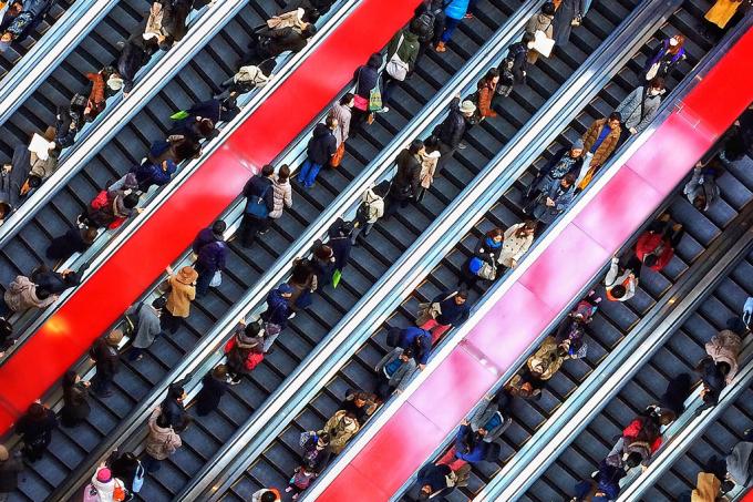 escada-rolante-parado-correr