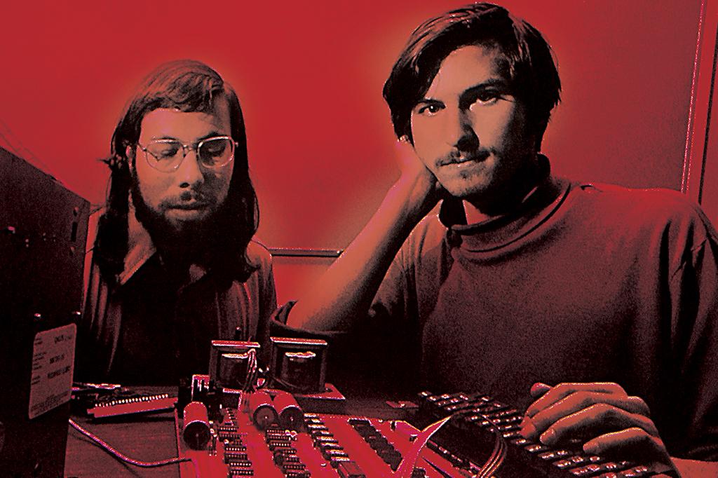 Jobs ao lado de Steve Wozniak, amigo e sócio
