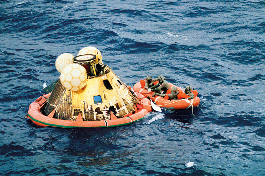 O resgate do Columbia no Oceano Pacífico.