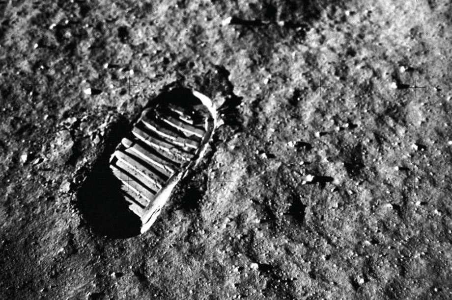 Célebre registro de uma pegada no solo lunar.