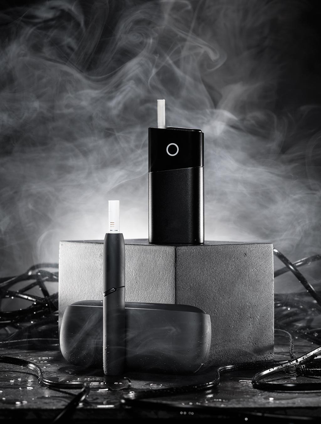 Esta é a classe dos híbridos: os cigarros eletrônicos que, em vez de vaporizar nicotina líquida, aquecem bastões de tabaco dentro destas cápsulas.