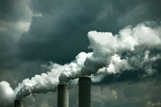 fumaca-poluicao-industria-combustivel