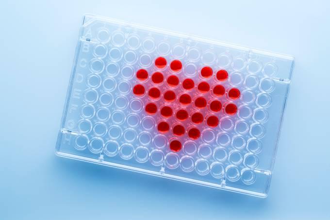 mashuk_gettyimages_cientistas_aplicativo_relacionamento_genes
