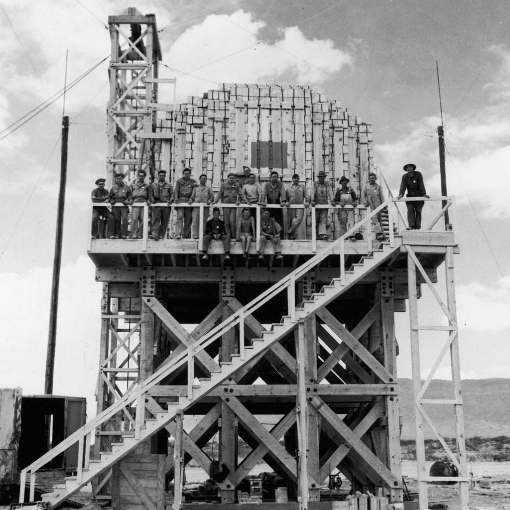 <strong>Parte dos mais de 130 mil trabalhadores envolvidos no Projeto Manhattan.</strong>
