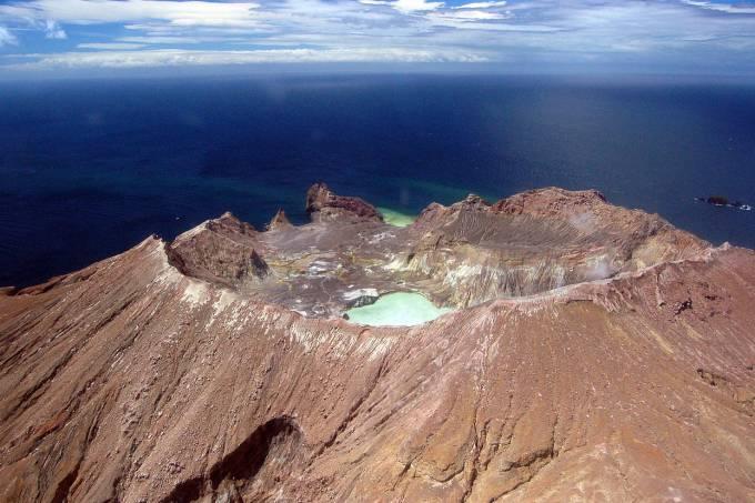 wikipediacommons_Reprodução-vulcao_explodiu_nova_zelandia
