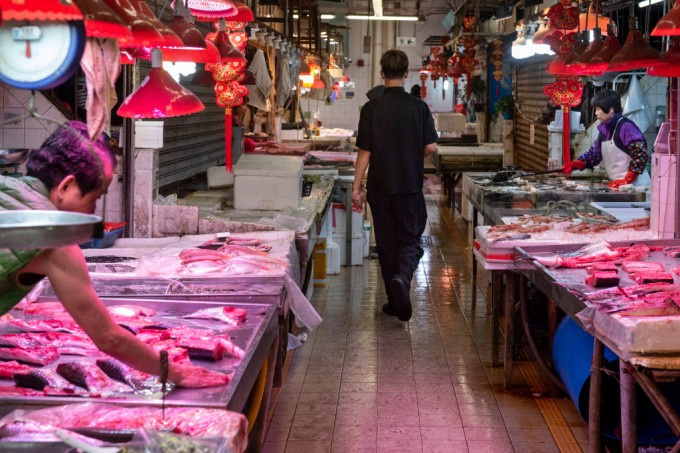 barcroft-media_gettyimages_mercados_chineses_animais_silvestres